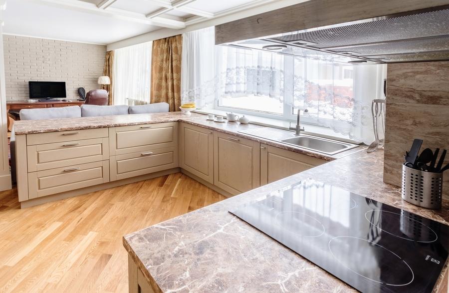 Бежевые кухни-Кухня из массива дуба «Модель 403»-фото3
