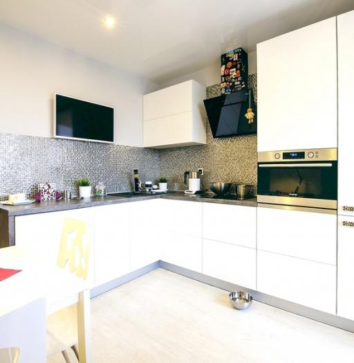 Белый кухонный гарнитур-Кухня МДФ в эмали «Модель 409»-фото5